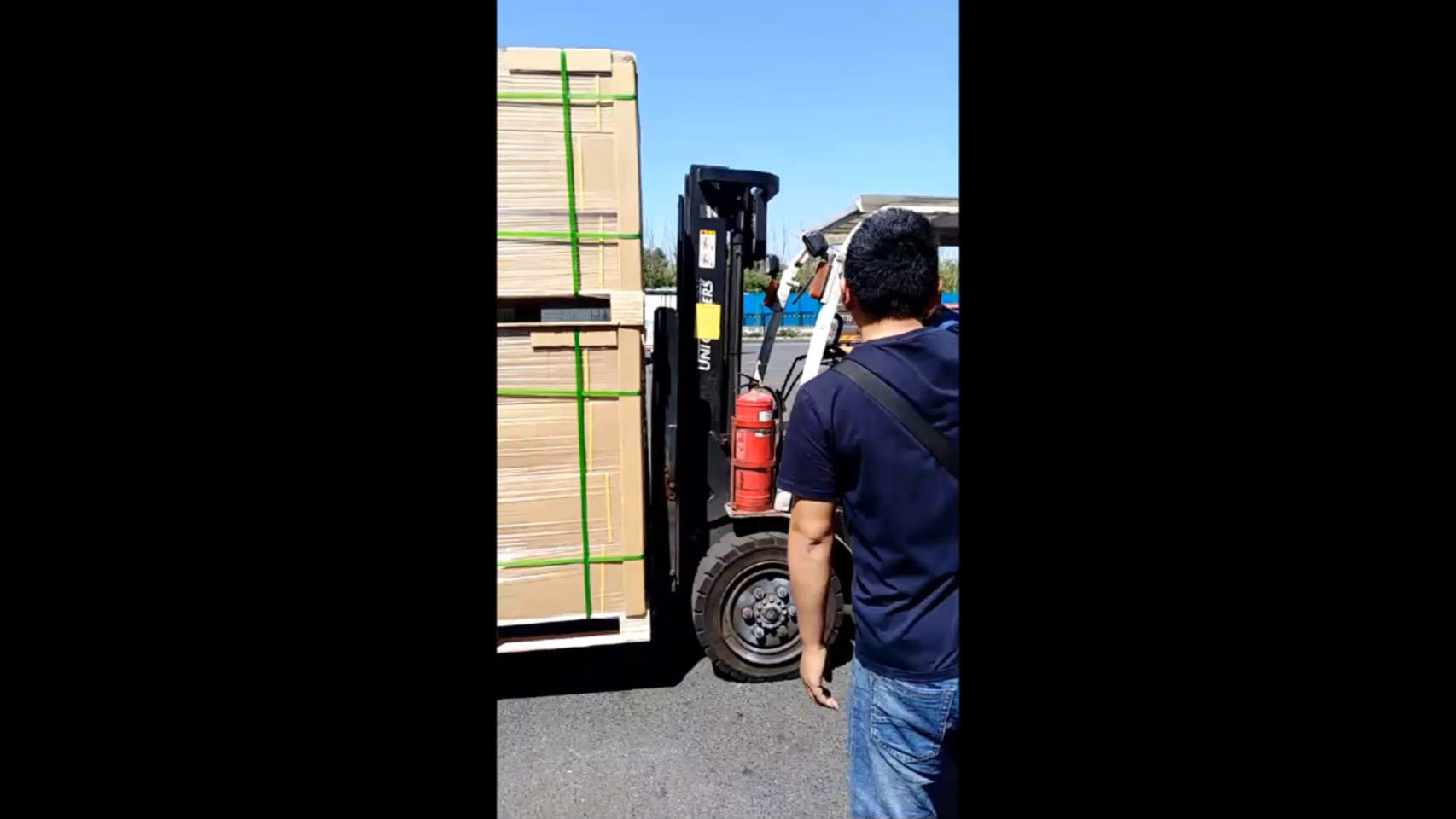 Truck Loading pick up service from China main cities to airport,train station,sea port.
